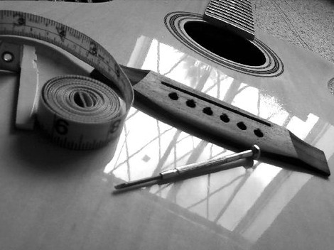 guitar tip how to remove the ping sound when tuning guitar strings anu kind of view. Black Bedroom Furniture Sets. Home Design Ideas